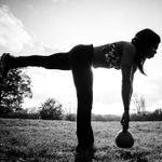 Nikki Carrol Fitness profile image.
