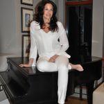 Debra Sloane profile image.