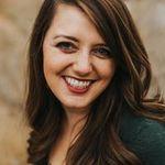 Kelly Lemon Photography profile image.