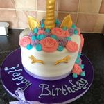 Louise's Cakes & Bakes profile image.