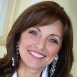 Sara Kavana Relationship & Business coach profile image.