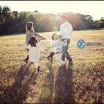 Laura Roush Photography profile image.