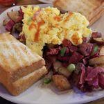 Piper Bay Café profile image.