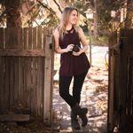 Alanna Singer Photography profile image.