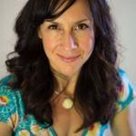 Angela Luna Therapy, LMFT, JD EMDR, Expressive Arts Therapy profile image.