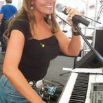 Lindsey Lane profile image.