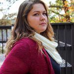 Victoria Douglass Photography profile image.