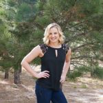 Kelly Tracy Weddings profile image.