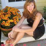 Flower Girl profile image.