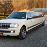 A Hudson Valley Limousine profile image.