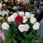 Yorba Linda Flowers profile image.