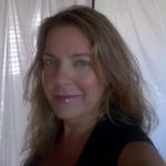 Vanda Scaravelli-inspired yoga profile image.