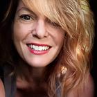 Rachel Pintarelli - Copy Creative logo
