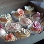 Annah Fudge Gourmet Cupcakes profile image.