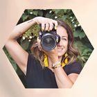 Carly Bee Photography logo