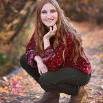 Portraits By Teara profile image.