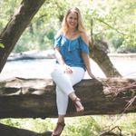 Raeleen Kay Photography profile image.