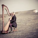 Alexandra King - Professional Harpist profile image.