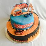 Cakes by KRiSTiN profile image.