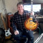 Billy Pezzack Guitar lessons  profile image.