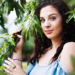 Daisy Lu Photography profile image.