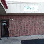 Robyn Watchorn Newbrey, LLC profile image.