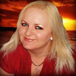 Charla Barron LMT profile image.
