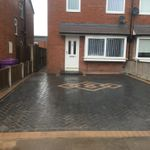 NewLook Landscaping profile image.