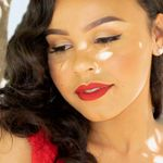 Verle Obri Photographer profile image.