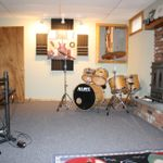 Jannis Music Lessons profile image.