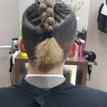 Prettybunch hair studio profile image.