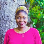 Rose Street Photography profile image.