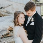 Emerald Wedding Photography profile image.