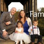 Amanda Lippert Photography profile image.