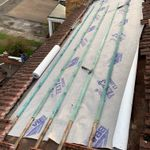 Professional roofing and home improvements profile image.