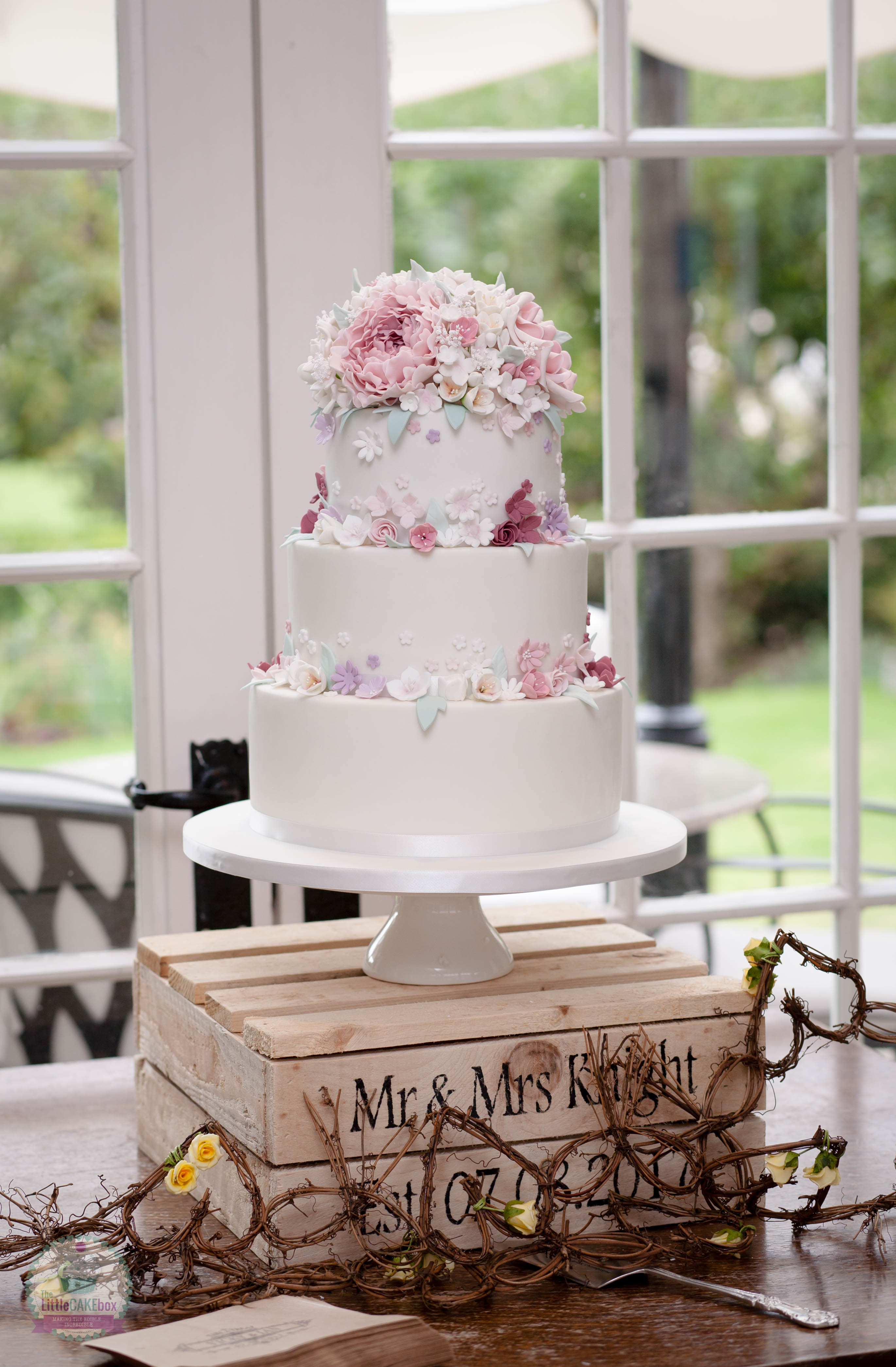 The Little Cake Box Reviews