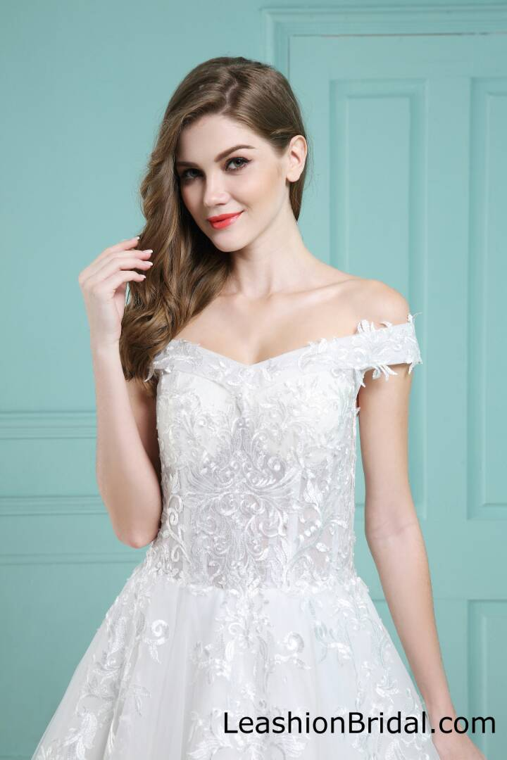 6053fe59bc Find the Best Wedding Dress Specialists in London | Bark.com